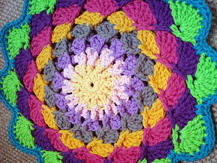Вязание коврика шнуром 58
